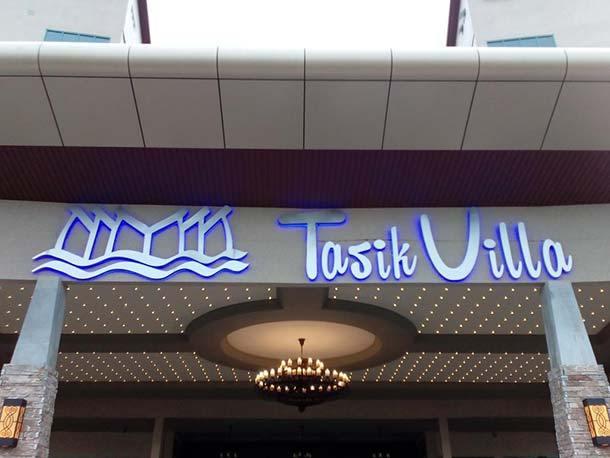 Tasik Villa International Resort - Main Image