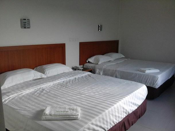 101 Hotel Miri - Room Image