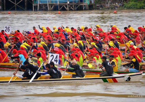 International Dragon Boat regatta part of Sarawak Regatta 2014
