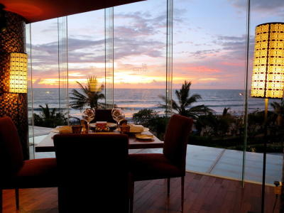 The Italian grill Bene commands fantastic nightfall views for diners propitious adequate to book a list by a floor-to-ceilingglass walls.