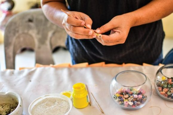 Beads of Borneo - Painting a bead