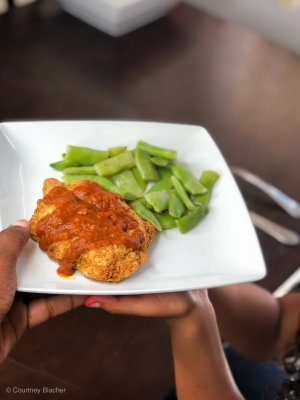 Summer is coming to an end and I'm already thinking about back to school. This year I'm being proactive and looking for ways that allow us to stay busy but also spend time together. These easy dinner ideas are perfect for getting a healthy meal on the table without spending hours in the kitchen.