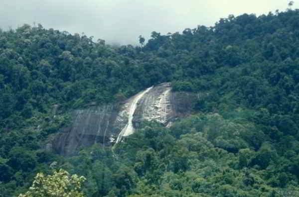Jelawang falls
