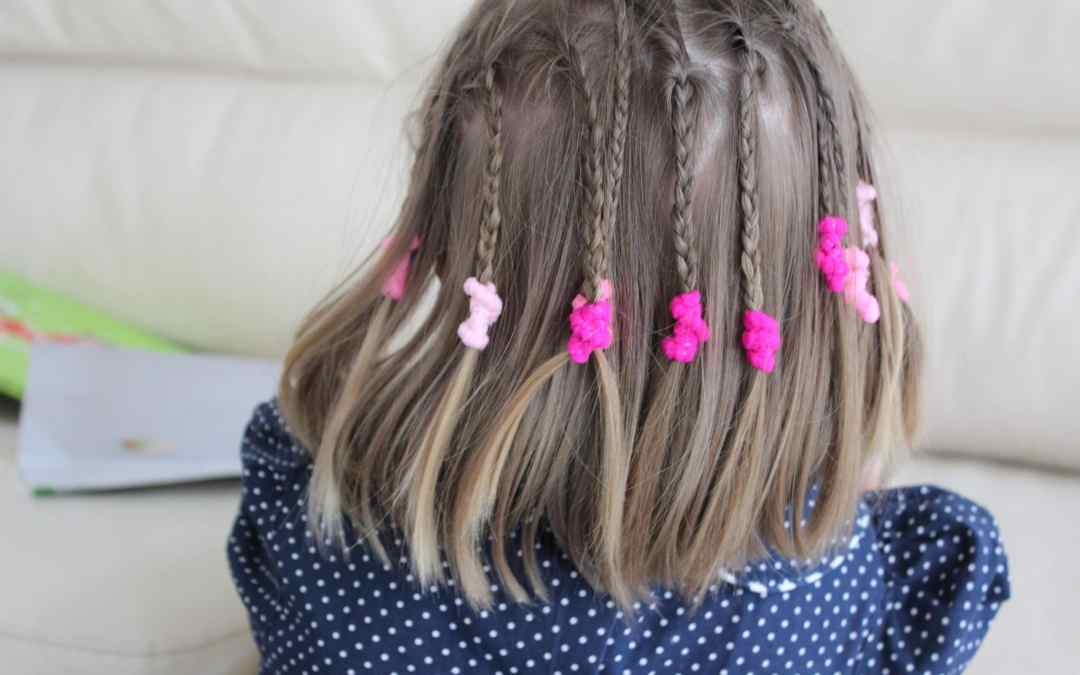 NETHERLANDS:  The Twelve Braids, or What Does It Mean to Be a Good Mom?