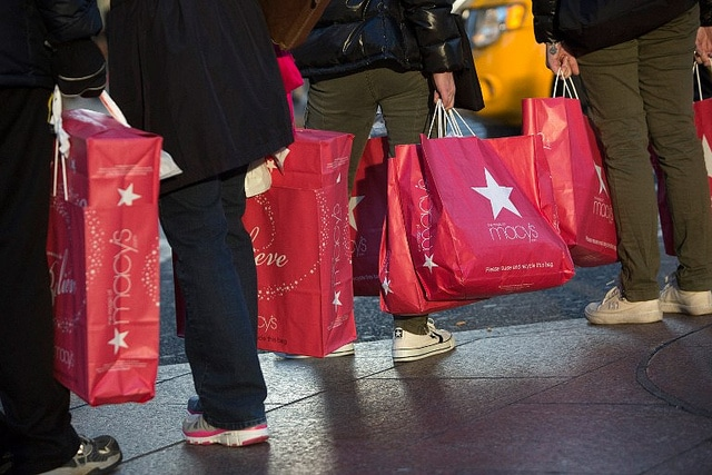 USA: Shopping At Macy's