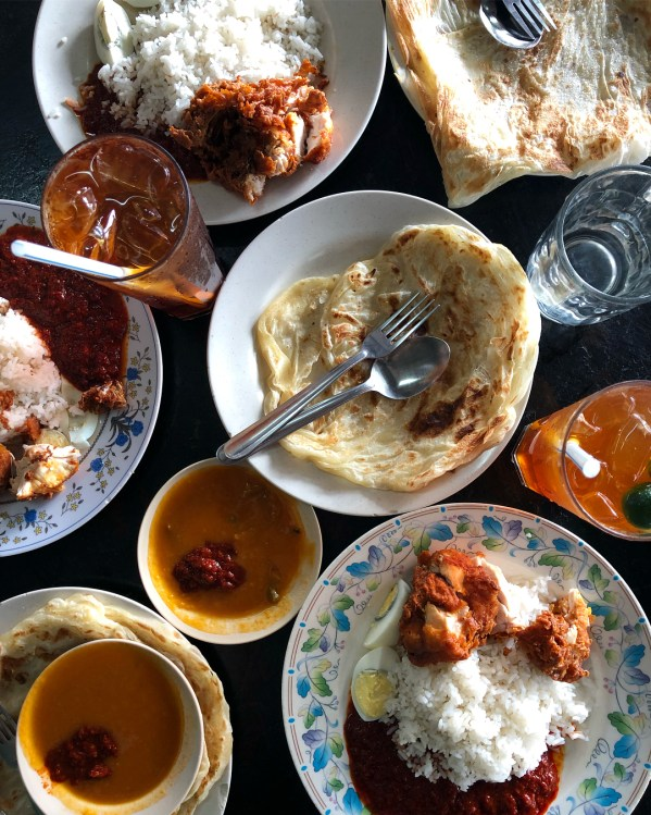 [Test] Lemak, Spice, & Everything Nice: 6 Delicious Nasi Lemak Spots in Klang Valley For M'sian Foodies - WORLD OF BUZZ 9