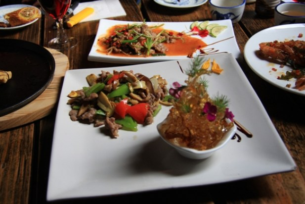 Stir fried beef with yellow_bolete at Little Yúnnán