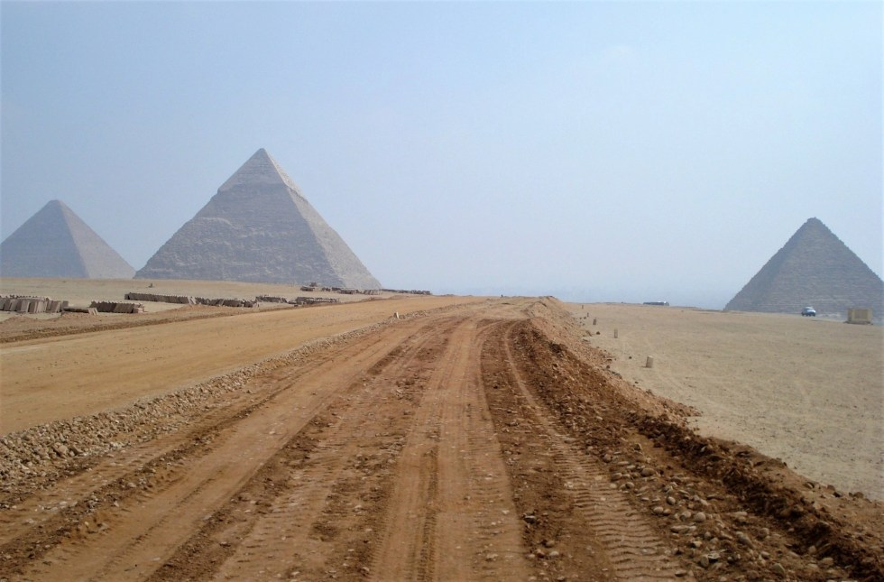 3 pyramids of Egypt at Giza