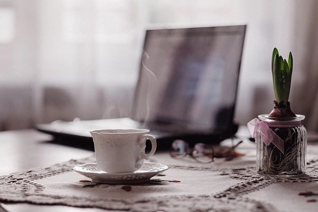 Blogging Tips Along With A Steaming Cup Of Tea