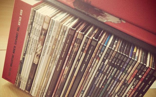 Ik kom de komende tentamen periode wel door!! Wat een toffe box van held Bob Dylan!!