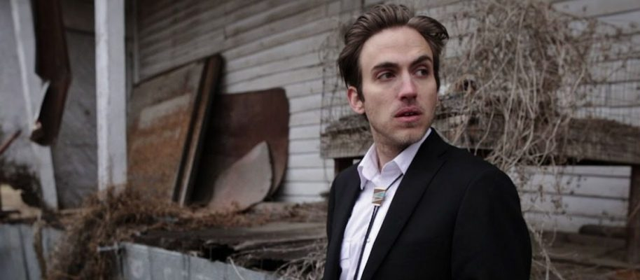Real Roots Cafe: Andrew Combs – Ideal Man