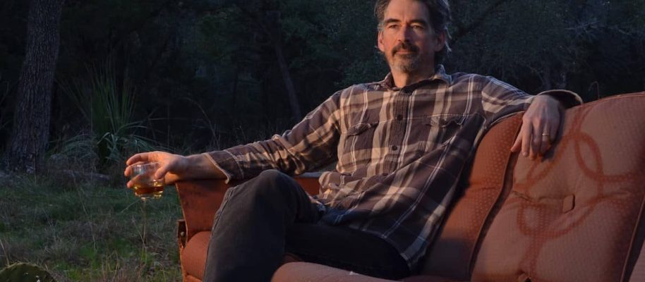 De 25 van 2017:  17 Slaid Cleaves – Ghost On The Car Radio