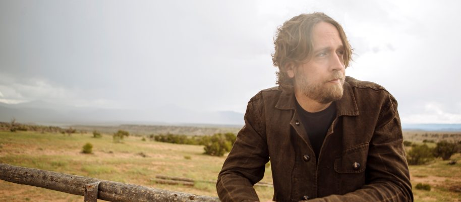 Real Roots Cafe: Hayes Carll – What It Is