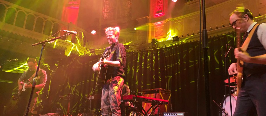 "Concertreview: ""I need light for my lantern""- Josh Ritter"