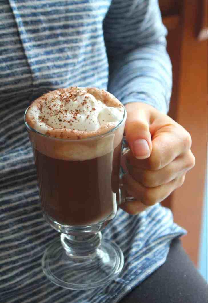 Vegan Peppermint Mocha | Starbucks Copycat Recipe | WorldofVegan.com | #vegan #holiday #drink #mocha