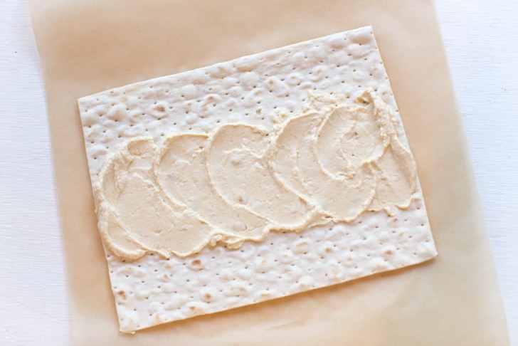 Lavash Hummus Wrap | WorldofVegan.com | #lavash #hummus #lunch