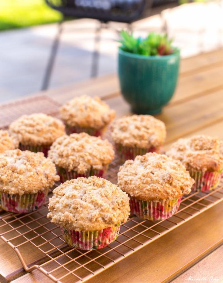 Vegan Crumb Muffins With Apple Cinnamon & Banana   WorldofVegan.com #vegan #muffins #dessert #breakfast