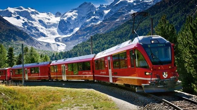Bernina_Express_copyright_Swiss_Tourism