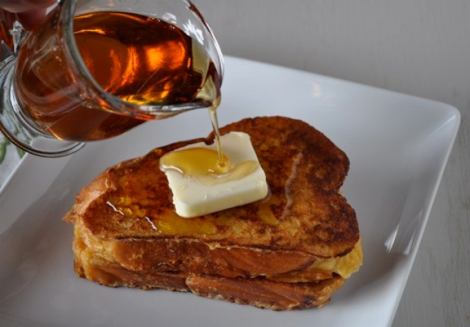 french-toast-with-warm-maple-syrup-mountain-mama-cooks-5