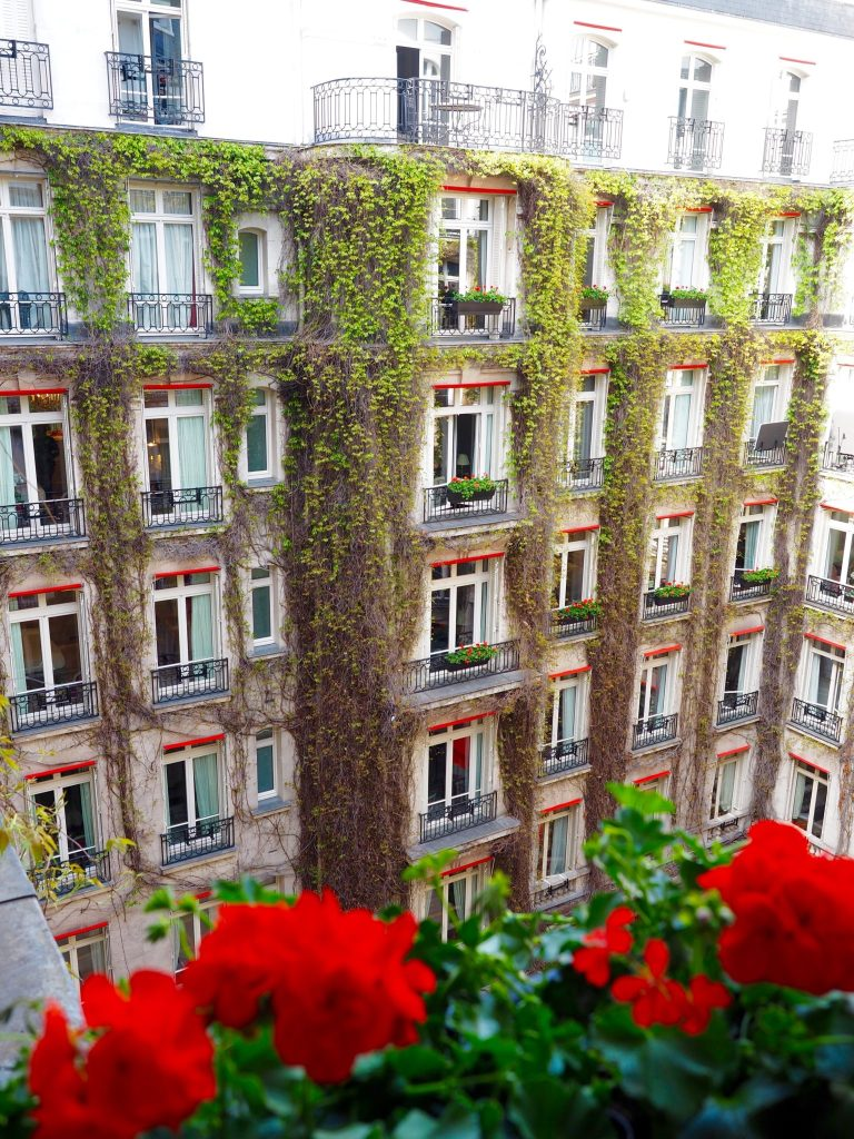 Hôtel Plaza Athénée Paris | World of Wanderlust