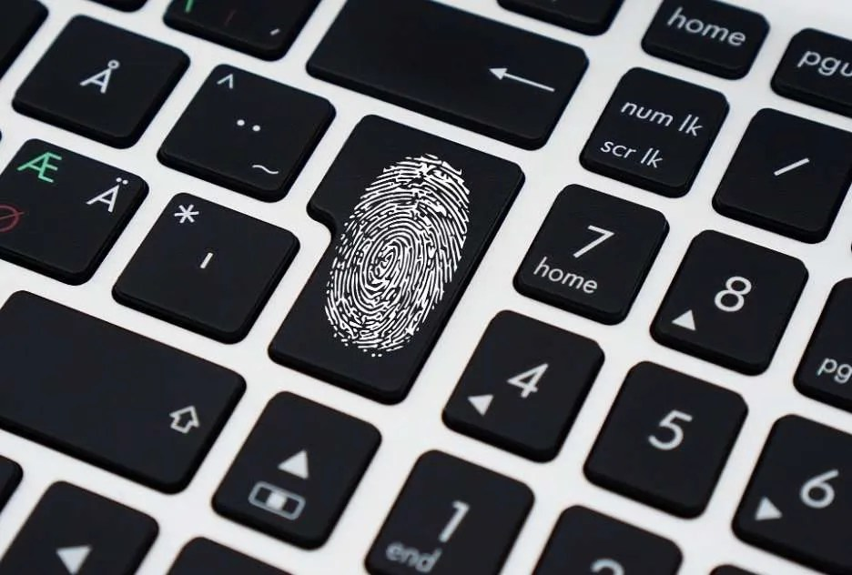 Protect Passwords - Keyboard with Fingerprint ID
