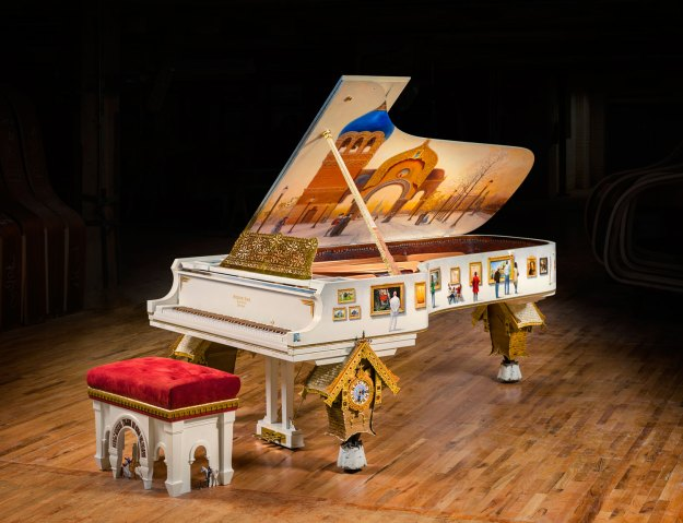 Pictures_of_an_Exhibition_Steinway_piano