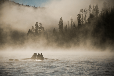 The-autumn-mists-make-rowing-on-Lake-Coeur-d-Alene-an-ethereal--experience.png