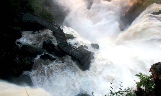 Iquazu Falls64 - Version 2