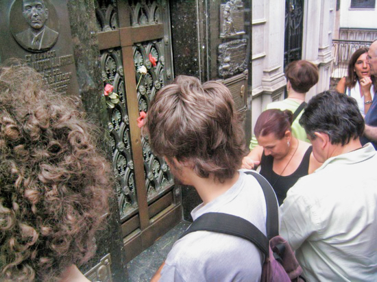 Amos Evita Grave