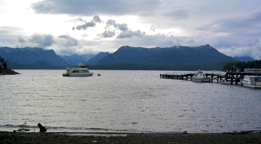 Lago  Nahuelhuapi Boats Amos