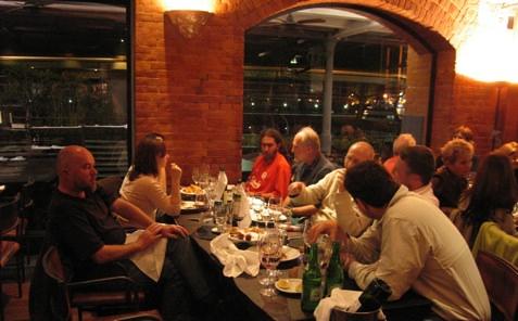 Las Lilas Table