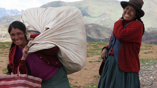 Smiling Peruana Vendors