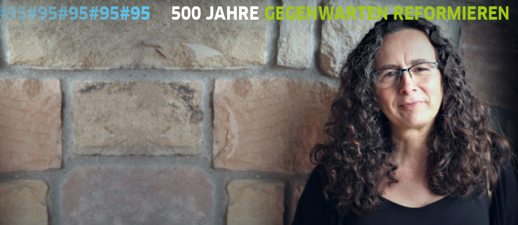 Ana Ruiz (Wor(l)ds Lab) in an event at the Goethe's Institute on the Reformation in the contemporay world