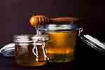 Natural honey jars (Pixabay.com)