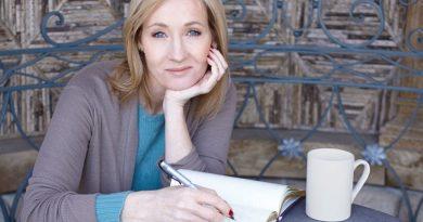 J.K. Rowling Harry Poter fiction series
