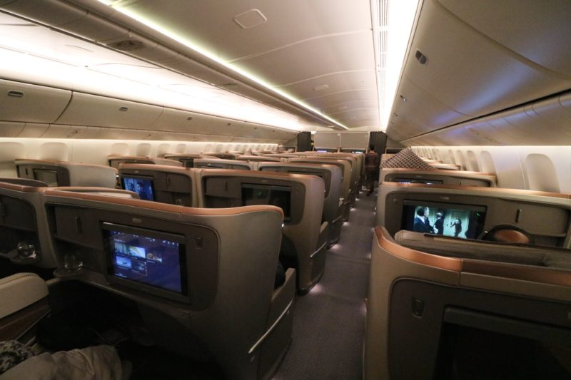 Singapore Airlines Business Class 777 300ER Review: HKG to
