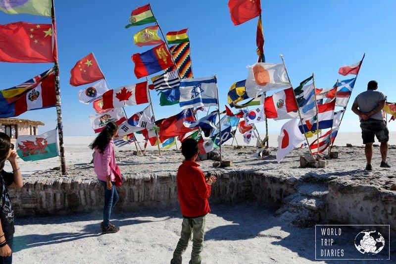 flags bolivia uyuni