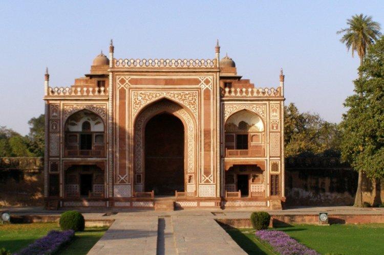 The-Baby-Taj-Itimad-ud-daulah-Agra-India