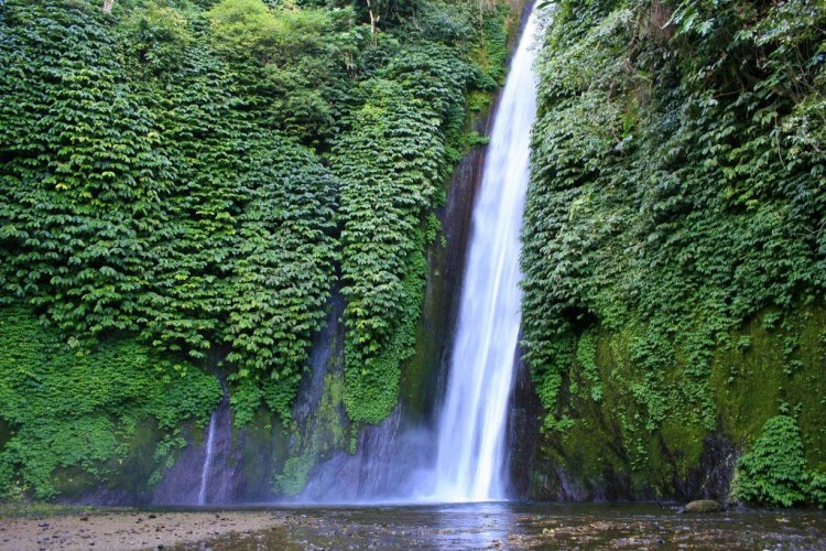 Langaan Waterfall, Munduk, Bali trekking