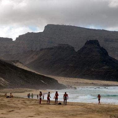 Calhau beach, Cape Verde - photo by Henryk Kotowski