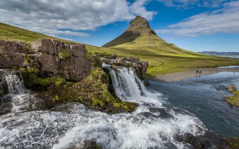 Iceland - kirkjufellsfoss-sumarid