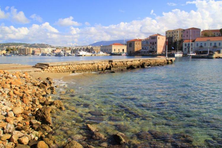 Chania harbour and old town in Crete - Photo by Natasha von Geldern
