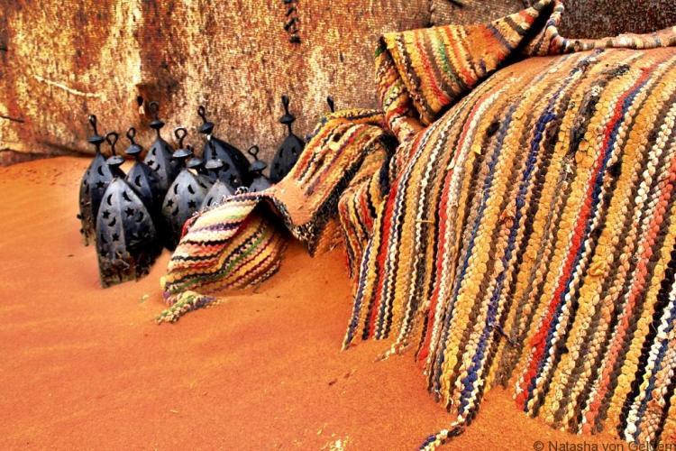 ait-benhaddou-kasbah-view-through-the-rock-morocco