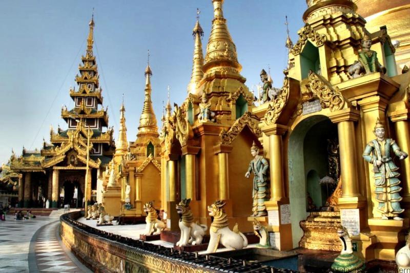 Schwedagon Pagoda Yangon Myanmar