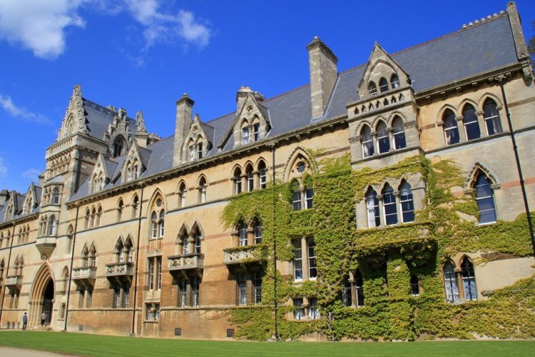 Christ Church Oxford tours