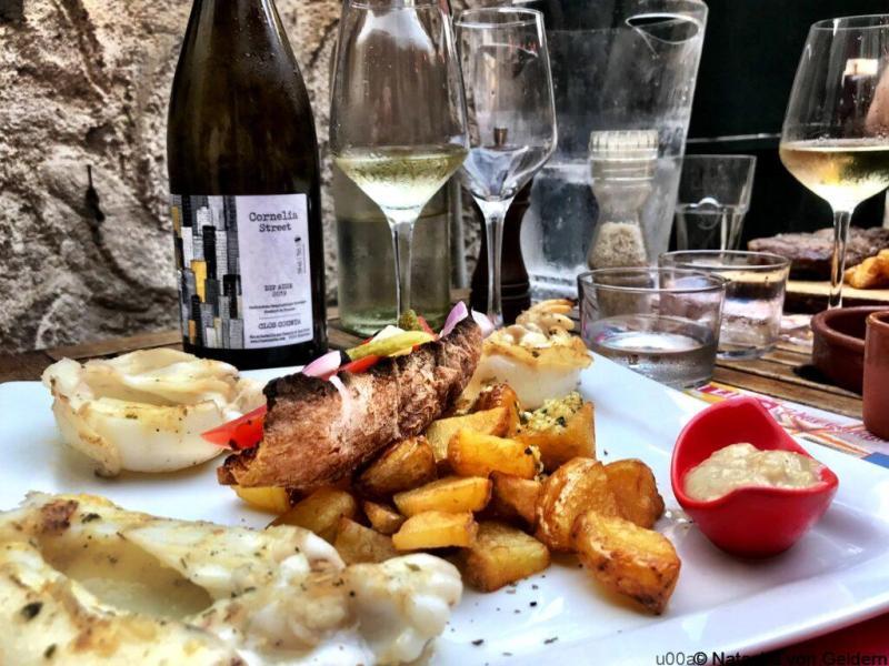 Fresh seafood and wine in Ferrals de Corbieres