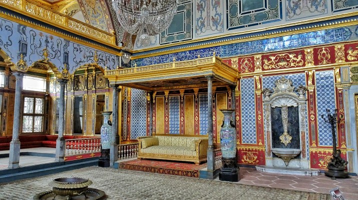 The Topkapi Palace and its Harem; the sultan's heaven on ...