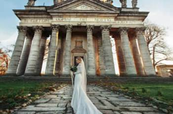 How Can We Save Money On Our Wedding Venue
