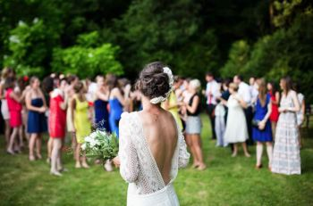 5 Tips for Decorating a Classy Outdoor Wedding Reception