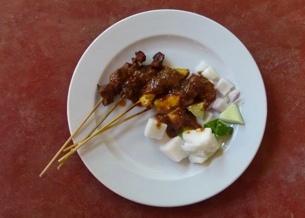 Satay and rice